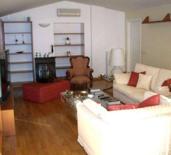 Affittasi Appartamento Mansarda Trilocale 120mq Quartiere Magenta
