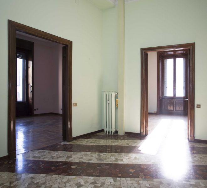 Vendesi Appartamento Quadrilocale 290mq Quartiere Tribunale Largo Augusto